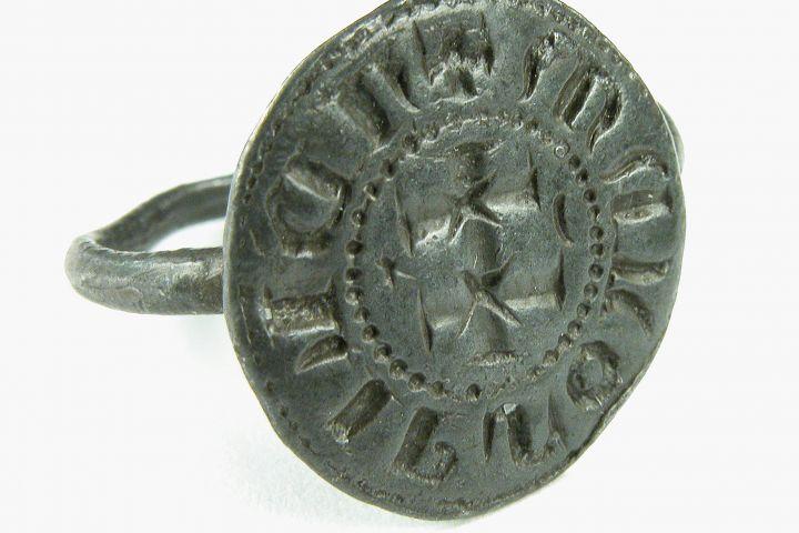 pecsétgyűrű, Bakonybél, 15. század