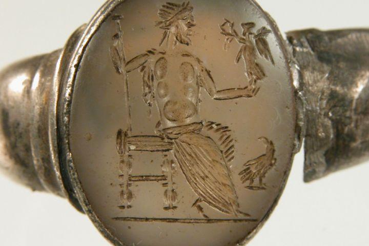 Római kori gyűrű áttetsző gemmával, ismeretlen lelőhely